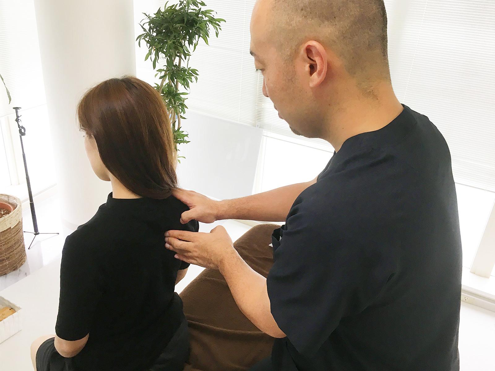 肩甲骨の可動域チェック